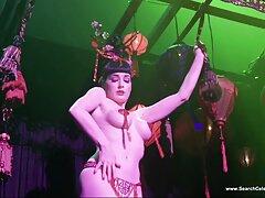 Mujer vestida hombre desnudo: mamada en videos caseros cojiendo a mi prima la Ducha