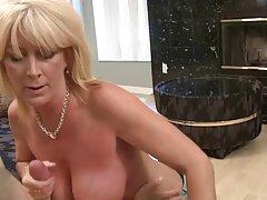 Joven hunga honza Yanatka videos caseros cojiendo por el culo masturbándose.