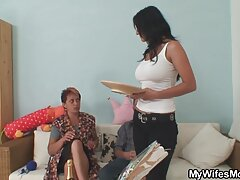 Adolescente videos caseros de esposas cojiendo en el dormitorio