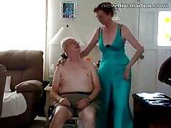 Ritual de la danza de la desnudez cojiendo con mi esposa casero